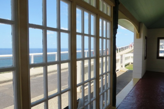 Can you imagine waking up to this view at your front door every day? That's what the lighthouse keeper used to do!